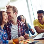 4 Essential College Dating Tips for Freshman