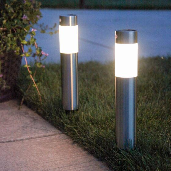 Modern decorative garden lamp post