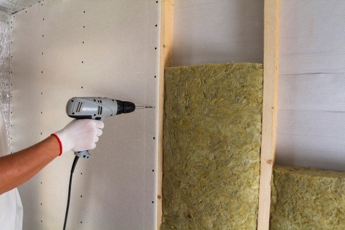 how to soundproof a bedroom cheaply