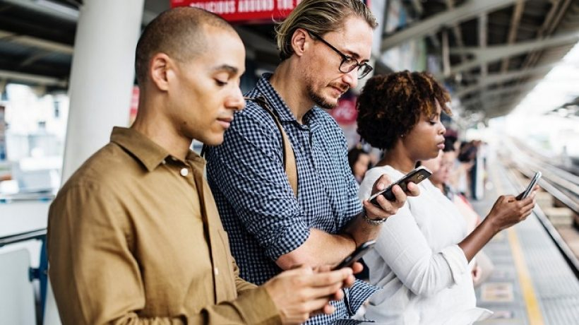 How Social Media Makes Us Unsocial? Discover Now