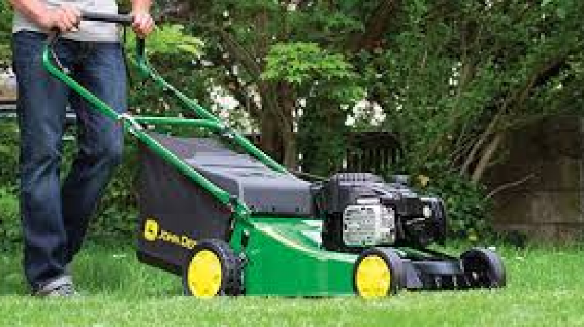 How to Tell If You Need a New Lawnmower